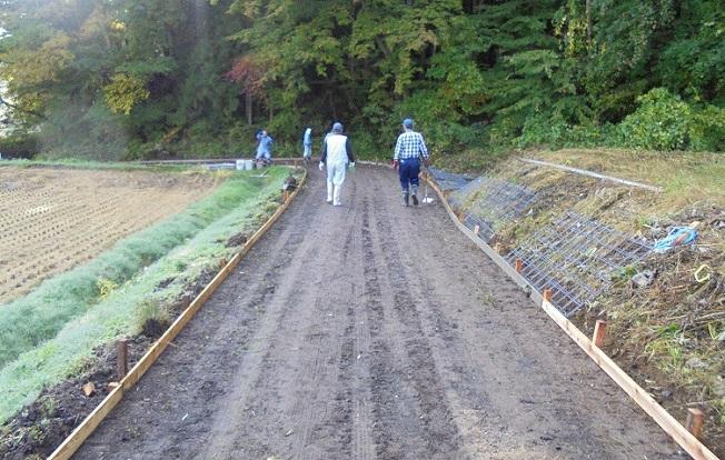 地域の道路は地域の人が整備(舗装)します!! DIY