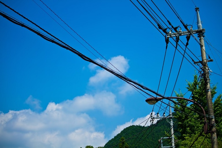 山を買う方法と注意点-インフラ-電気